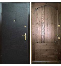 Входная дверь с отделкой из вагонки  В-7